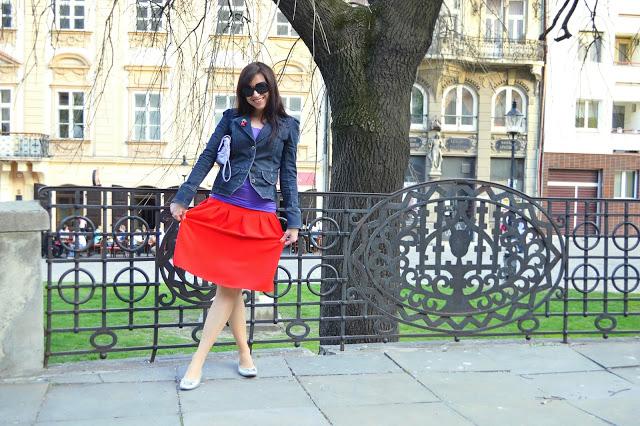 KROK ZA KROKOM_Katharine-fashion is beautiful_Červená sukňa_Denim_Katarína Jakubčová_Fashion blogger