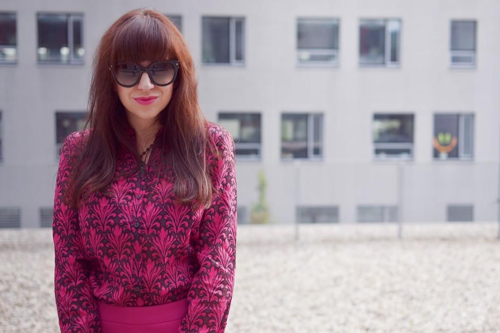 5 vecí, ktoré si neobliecť do zamestnania_Katharine-fashion is beautiful_Ružová pencil sukňa_Ružová košeľa_Katarína Jakubčová_Fashion blogger