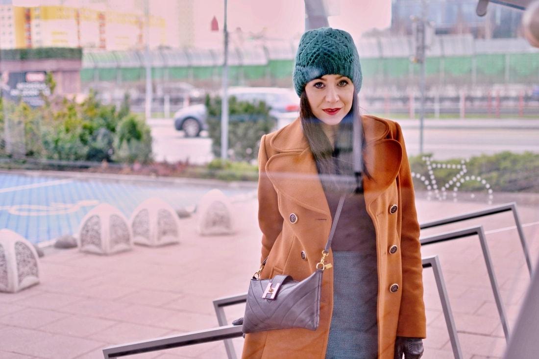 katharine-fashion-is-beautiful-blog-sukna-outfit-4