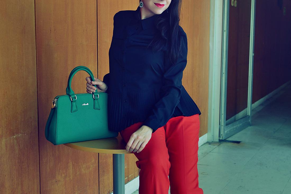 Plisovaná blúzka od Bonprixu_Katharine-fashion is beautiful_blog 3_Plisovaná blúzka_Červené nohavice_Katarína Jakubčová_Fashion blogger
