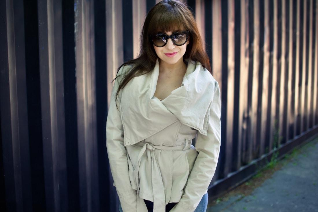 5 rád ako sa nezblázniť z nepadnúcich džínsov_Katharine-fashion is beautiful blog 2_Džínsy Levis_Ružový top_Katarína Jakubčová_Fashion blogger