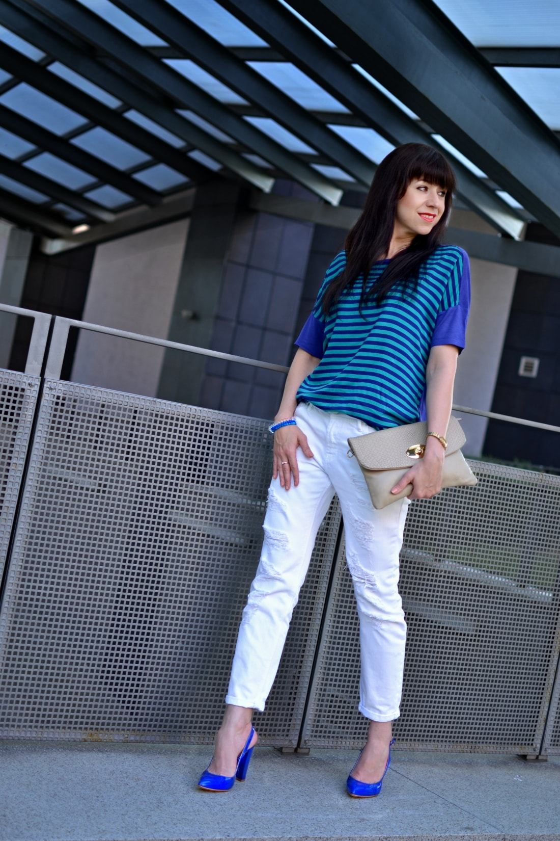 BLOG A WORDPRESS_Katharine-fashion is beautiful blog 3_wordpress_Biele džínsy_Prúžky_Pásiky_Katarína Jakubčová_Fashion blogger