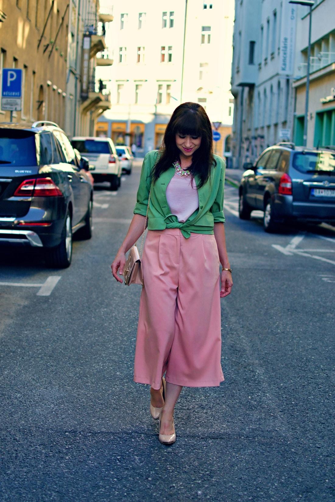 Culottes_Katharine-fashion is beautiful blog 4_Ružové nohavice_Nude lodičky_Katarína Jakubčová