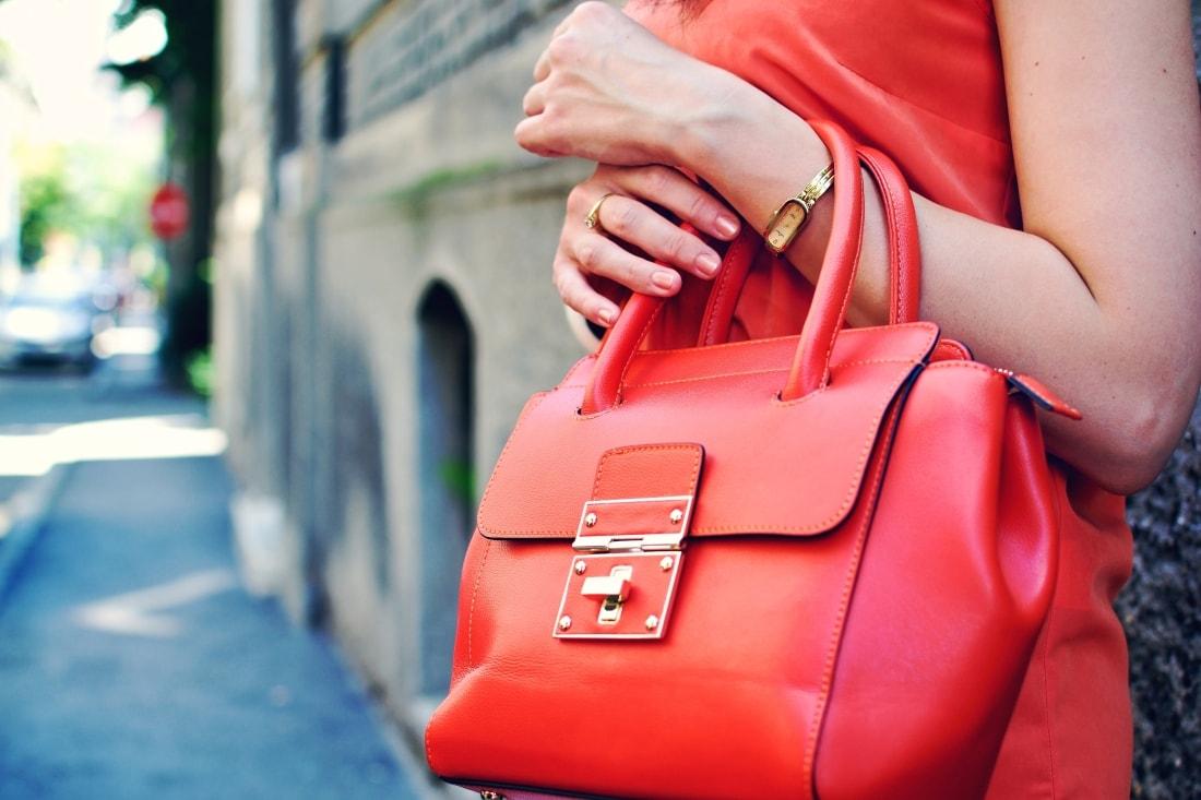 Best accessory_Katharine-fashion is beautiful blog 1_Oranžová kabelka JEJ_Modrá sukňa_Katarína Jakubčová