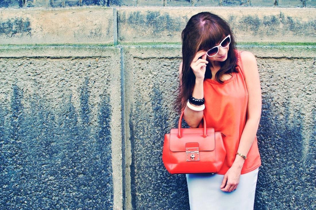 Best accessory_Katharine-fashion is beautiful blog 4_Oranžová kabelka JEJ_Modrá sukňa_Katarína Jakubčová