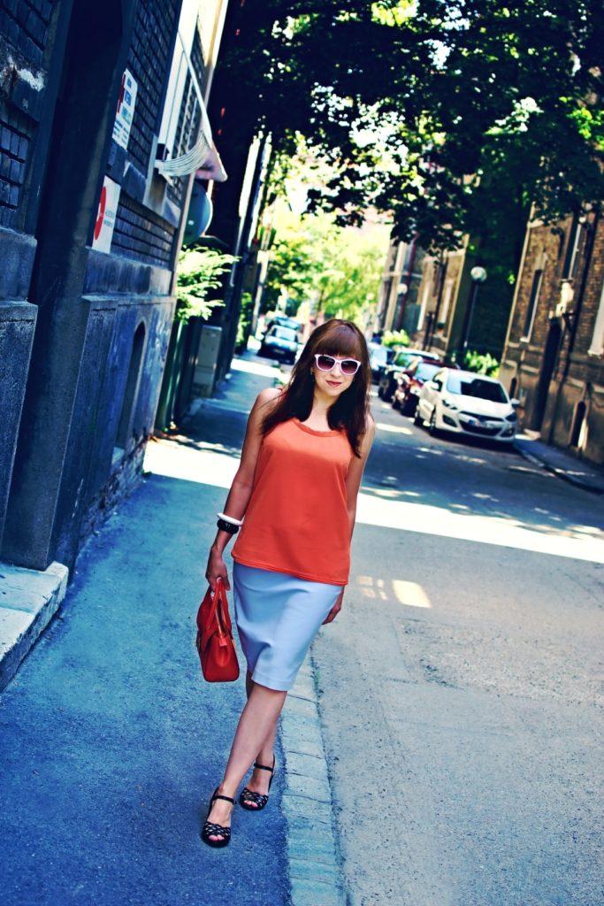 Best accessory_Katharine-fashion is beautiful blog 5_Oranžová kabelka JEJ_Modrá sukňa_Katarína Jakubčová