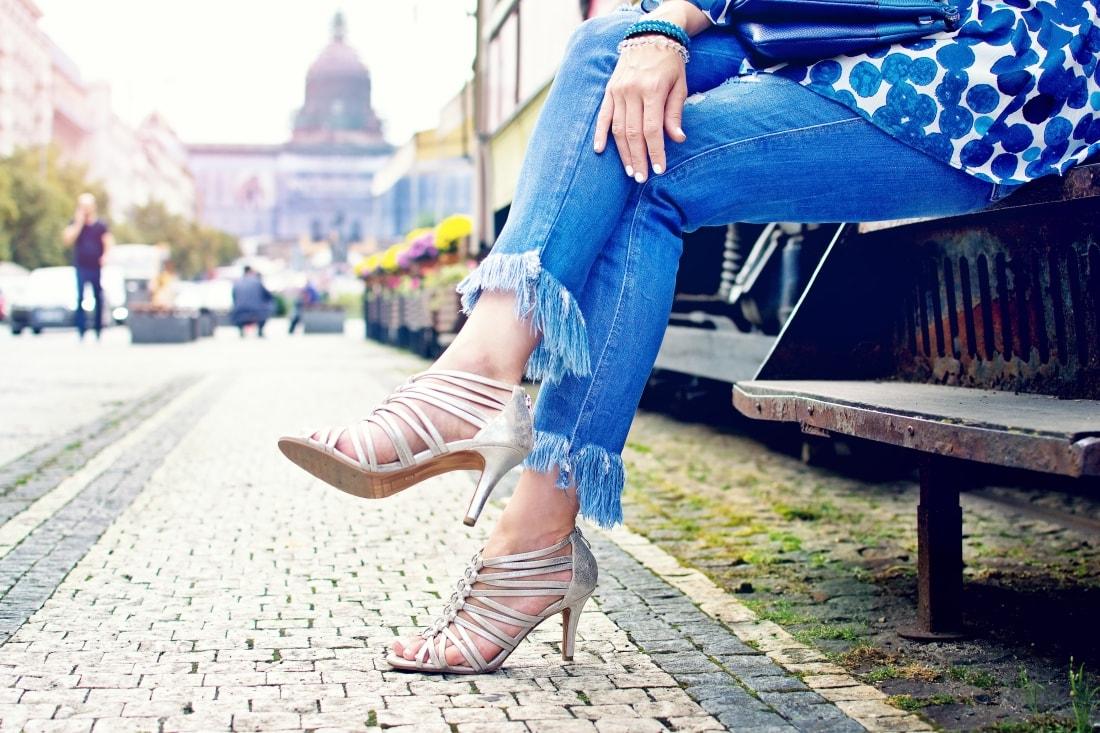 What is your message?_Katharine-fashion is beautiful blog 7_Dots_Bodkovaný top_Strapce_Džínsy zo Zary_Parfois kabelka_Katarína Jakubčová_Fashion blogger