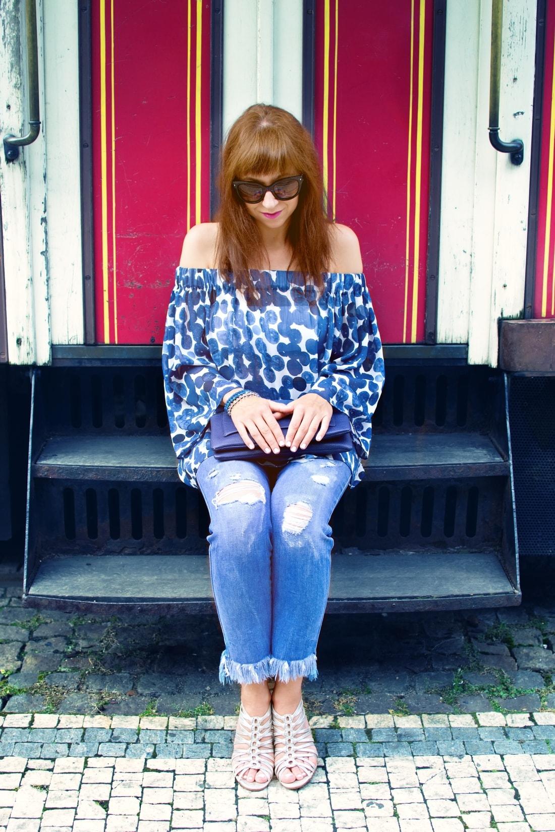What is your message?_Katharine-fashion is beautiful blog 8_Dots_Bodkovaný top_Strapce_Džínsy zo Zary_Parfois kabelka_Katarína Jakubčová_Fashion blogger