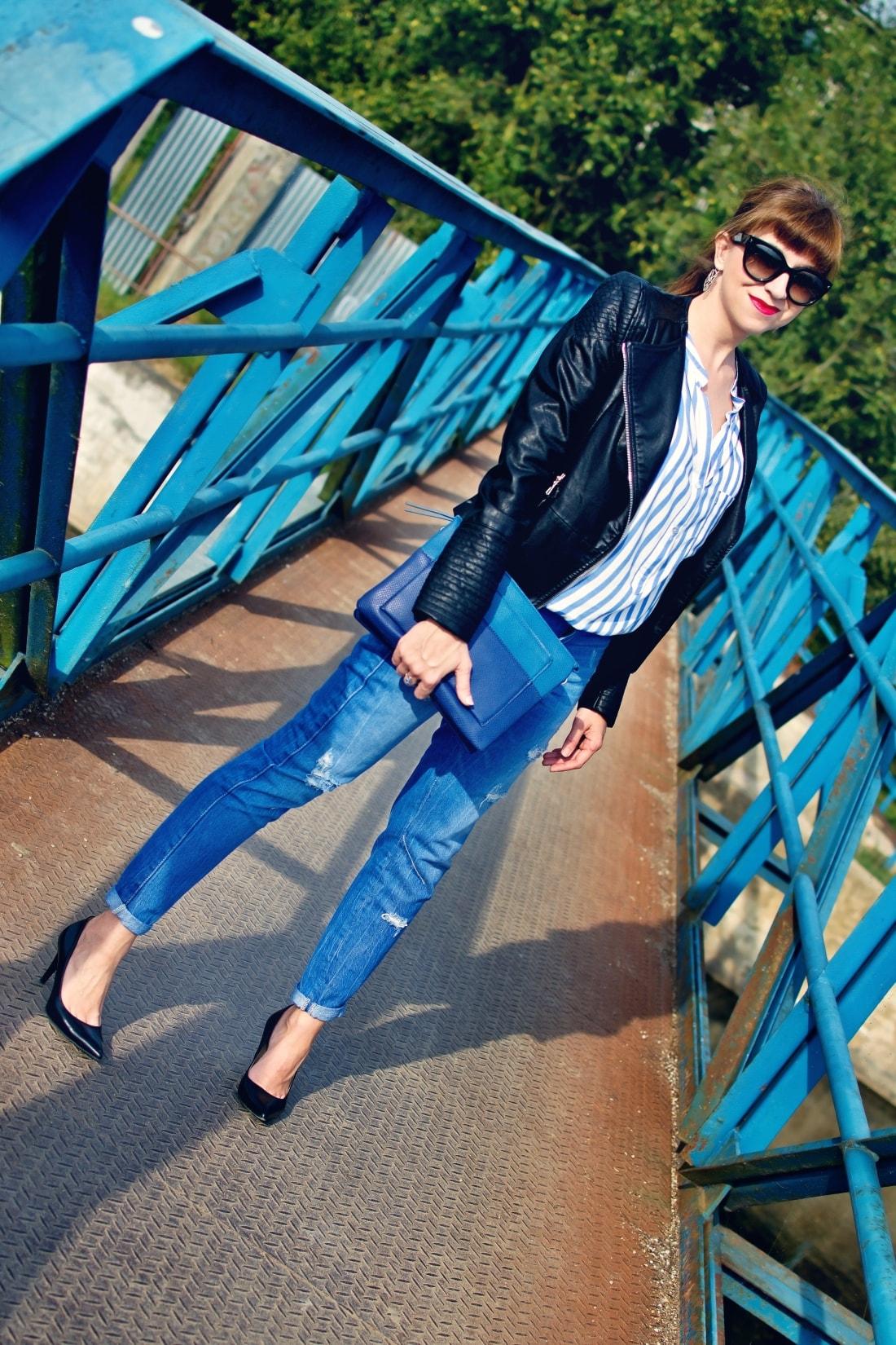 Move, move, move_Katharine-fashion is beautiful_1_Blog_Kožená bunda_Roztrhané džínsy_Prúžkovaná blúzka_Kabelka Parfois_Katarína Jakubčová_Fashion blogger