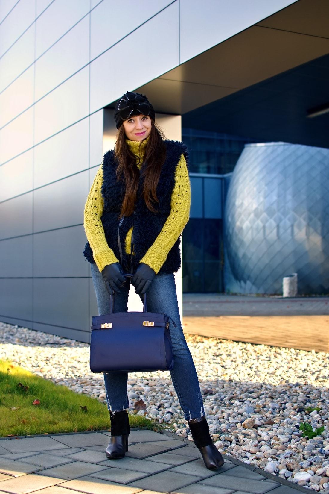 IRRESISTIBLE ME_Katharine-fashion is beautiful_blog 8_hair extension_irresistible me_beauty_Modrá kožušinová vesta_Katarína Jakubčová_Fashion blogger