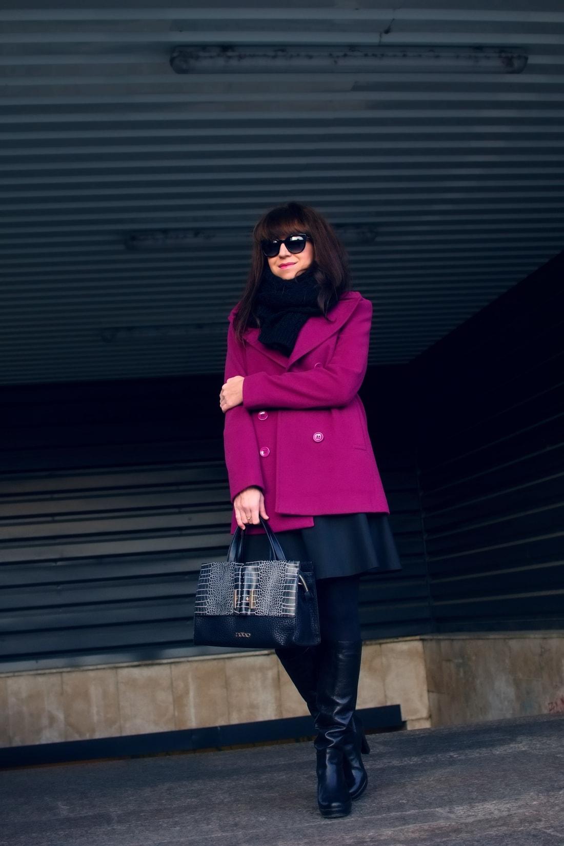 MISTEROPTIC INTERVIEW_Katharine-fashion is beautiful_blog 8_Slnečné okuliare Dolce&Gabbana_Fialový kabát_Black and white_Katarína Jakubčová_Fashion blogger