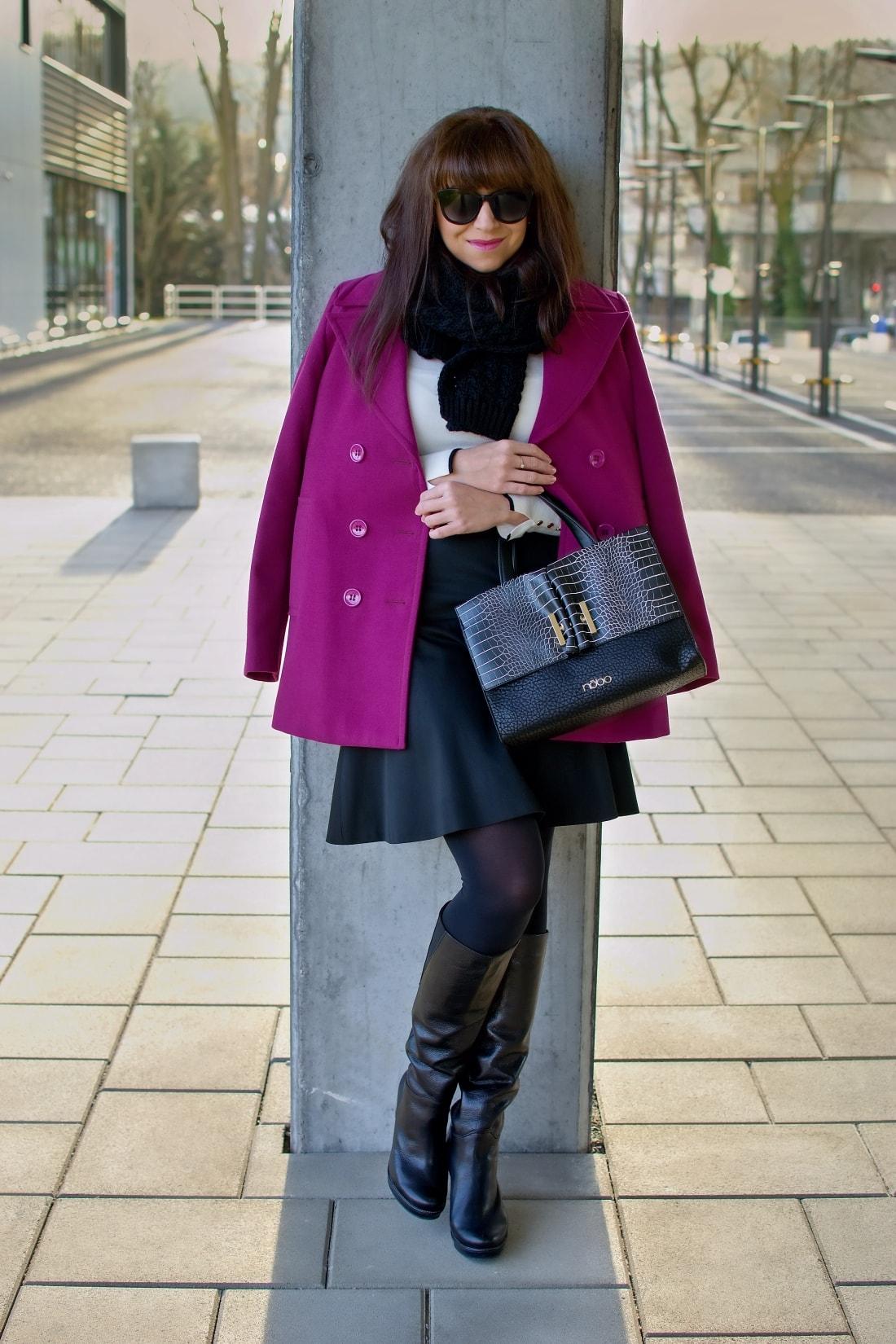 MISTEROPTIC INTERVIEW_Katharine-fashion is beautiful_blog 3_Slnečné okuliare Dolce&Gabbana_Fialový kabát_Black and white_Katarína Jakubčová_Fashion blogger