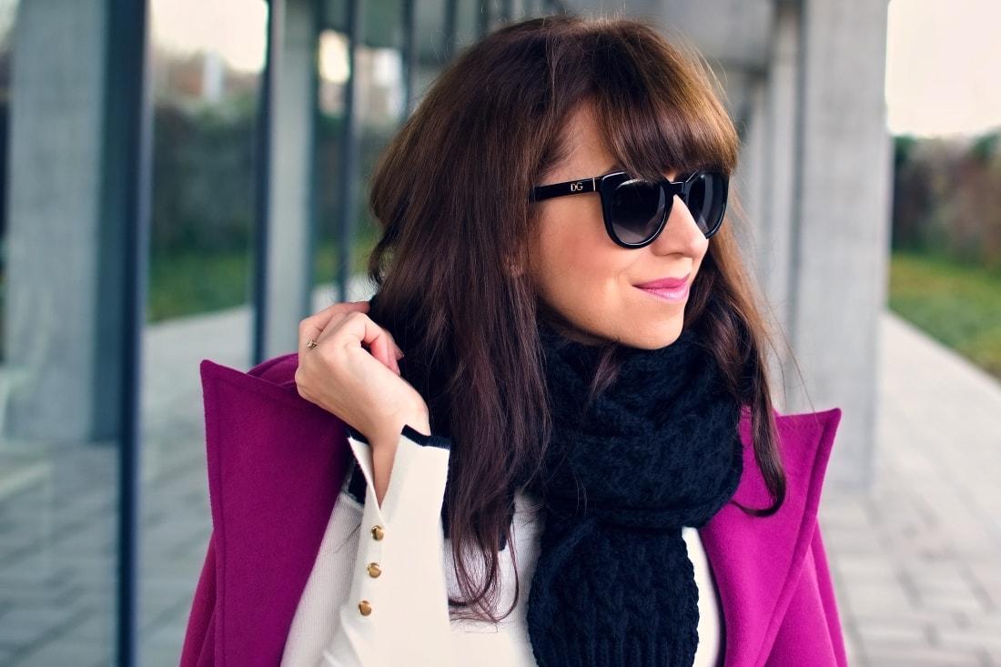 MISTEROPTIC INTERVIEW_Katharine-fashion is beautiful_blog 6_Slnečné okuliare Dolce&Gabbana_Fialový kabát_Black and white_Katarína Jakubčová_Fashion blogger