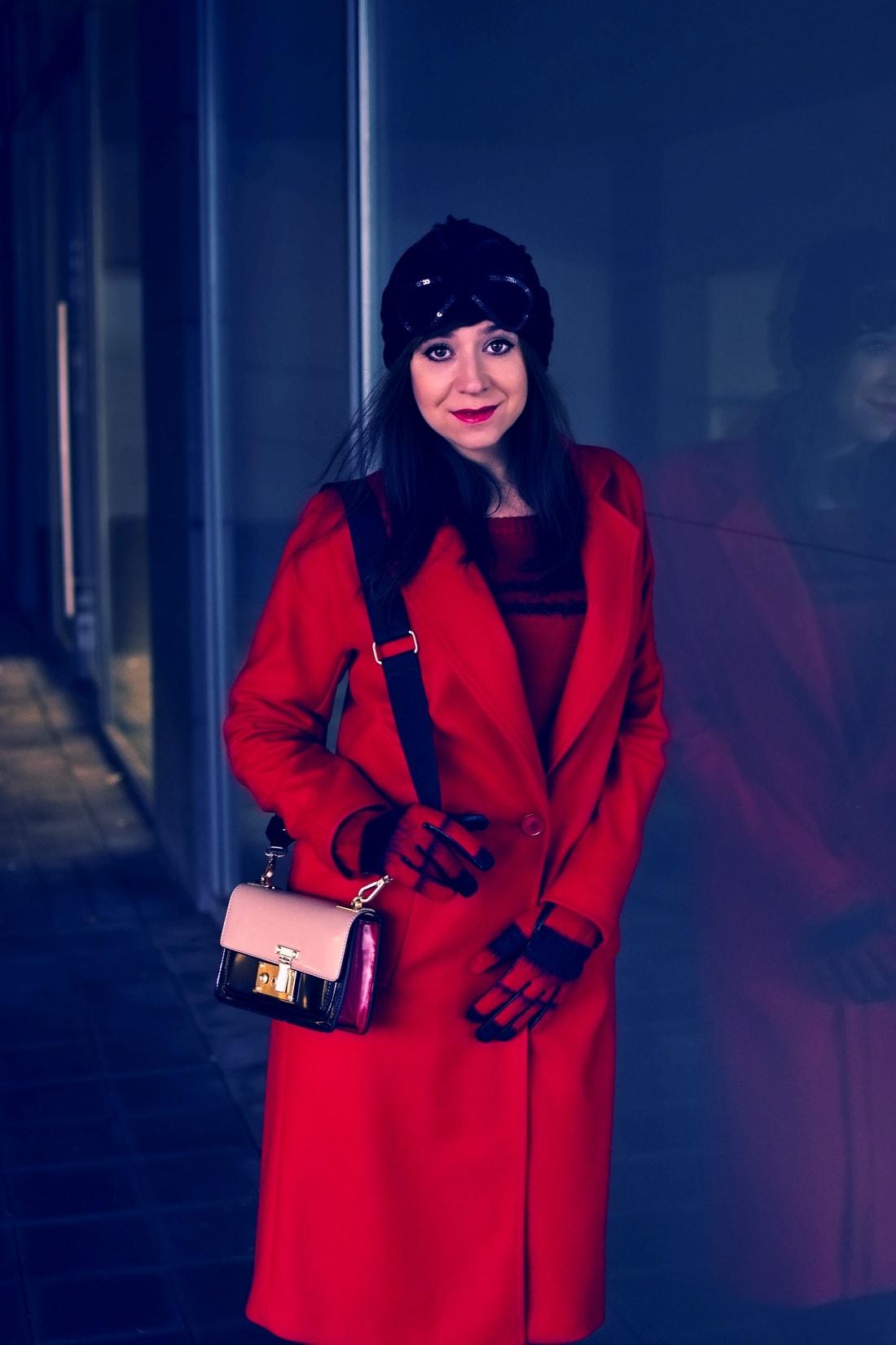 Prajem vám_Katharine-fashion is beautiful_Červený kabát Zara_Čierna sukňa_Katarína Jakubčová_Fashion blogger