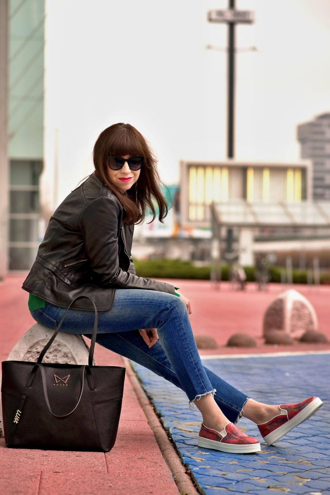 Kabelka NOIRE (29777)_Katharine-fashion is beautiful_Blog 2_Čierna kabelka Noire_Kožená bunda Mango_Džínsy Levis_Katarína Jakubčová_Fashion blogger
