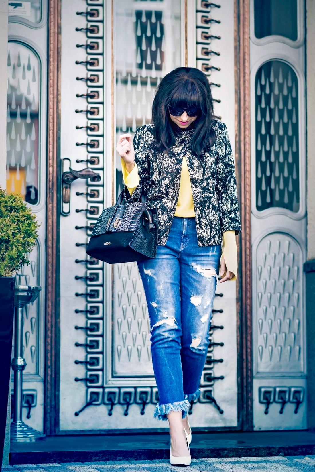 Podľa čoho spoznáte nákupnú maniačku_Katharine-fashion is beautiful_Blog 2_Tuliphousehotel_Džínsy Zara_Biele lodičky Kati_Okuliare Misteroptic_Katarína Jakubčová_Fashion blogger