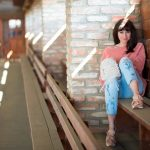 SPOMIENKA NA SVETER VĎAKA ZARE_Katharine-fashion is beautiful_Blog 2_Ženilkový sveter zo Zary_Vyšívané džínsy_Tenisky s mašľou_Katarína Jakubčová_Fashion blogger