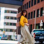 1 zo spôsobov nosenia maxi popelínovej sukne_Katharine-fashion is beautiful_blog7_Maxi sukňa_Žltá blúzka_Bratislava_Katarína Jakubčová_Fashion blogger