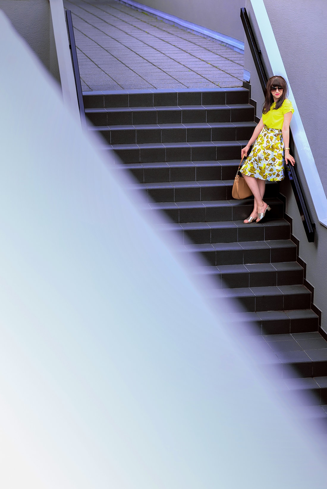 SUKŃA NA LETO OD MARGIFASHION_Katharine-fashion is beautiful_blog 3_Sukňa zelené kvety_Zlaté šľapky Sagan_Katarína Jakubčová_Fashion blogger