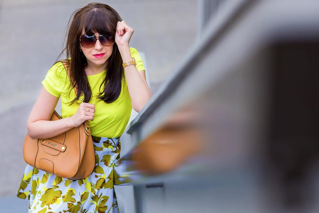 SUKŃA NA LETO OD MARGIFASHION_Katharine-fashion is beautiful_blog 10_Sukňa zelené kvety_Zlaté šľapky Sagan_Katarína Jakubčová_Fashion blogger