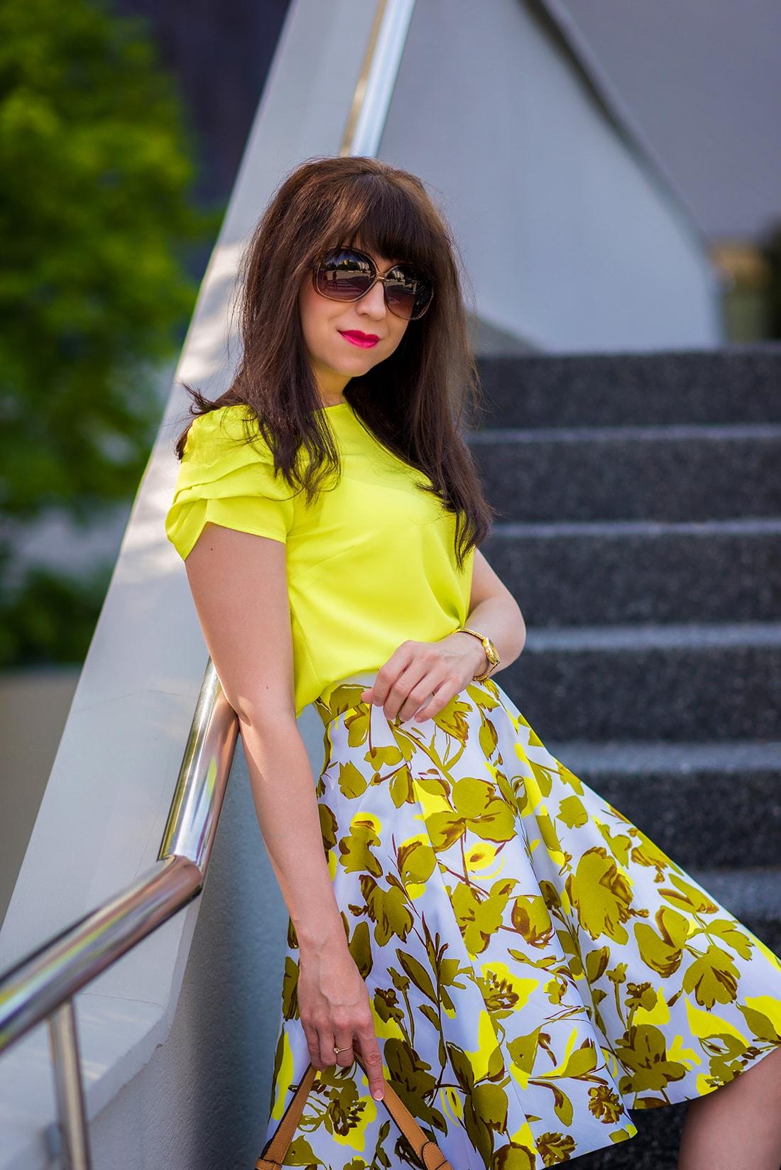 SUKŃA NA LETO OD MARGIFASHION_Katharine-fashion is beautiful_blog 2_Sukňa zelené kvety_Zlaté šľapky Sagan_Katarína Jakubčová_Fashion blogger