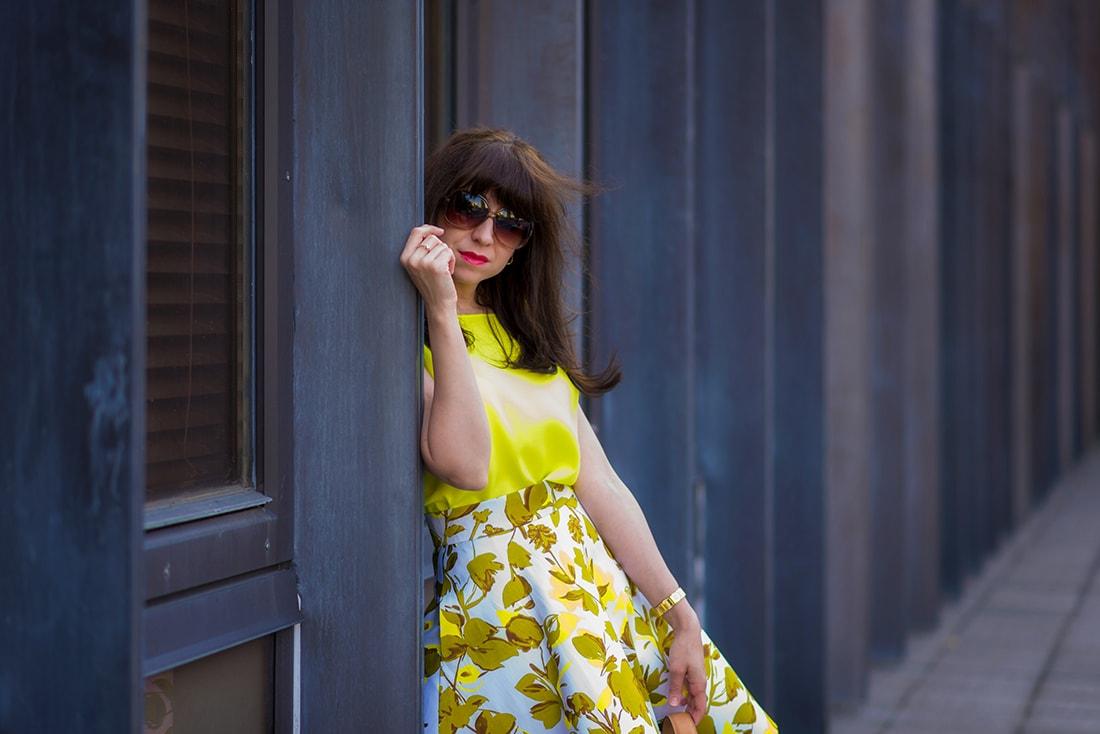 SUKŃA NA LETO OD MARGIFASHION_Katharine-fashion is beautiful_blog 5_Sukňa zelené kvety_Zlaté šľapky Sagan_Katarína Jakubčová_Fashion blogger