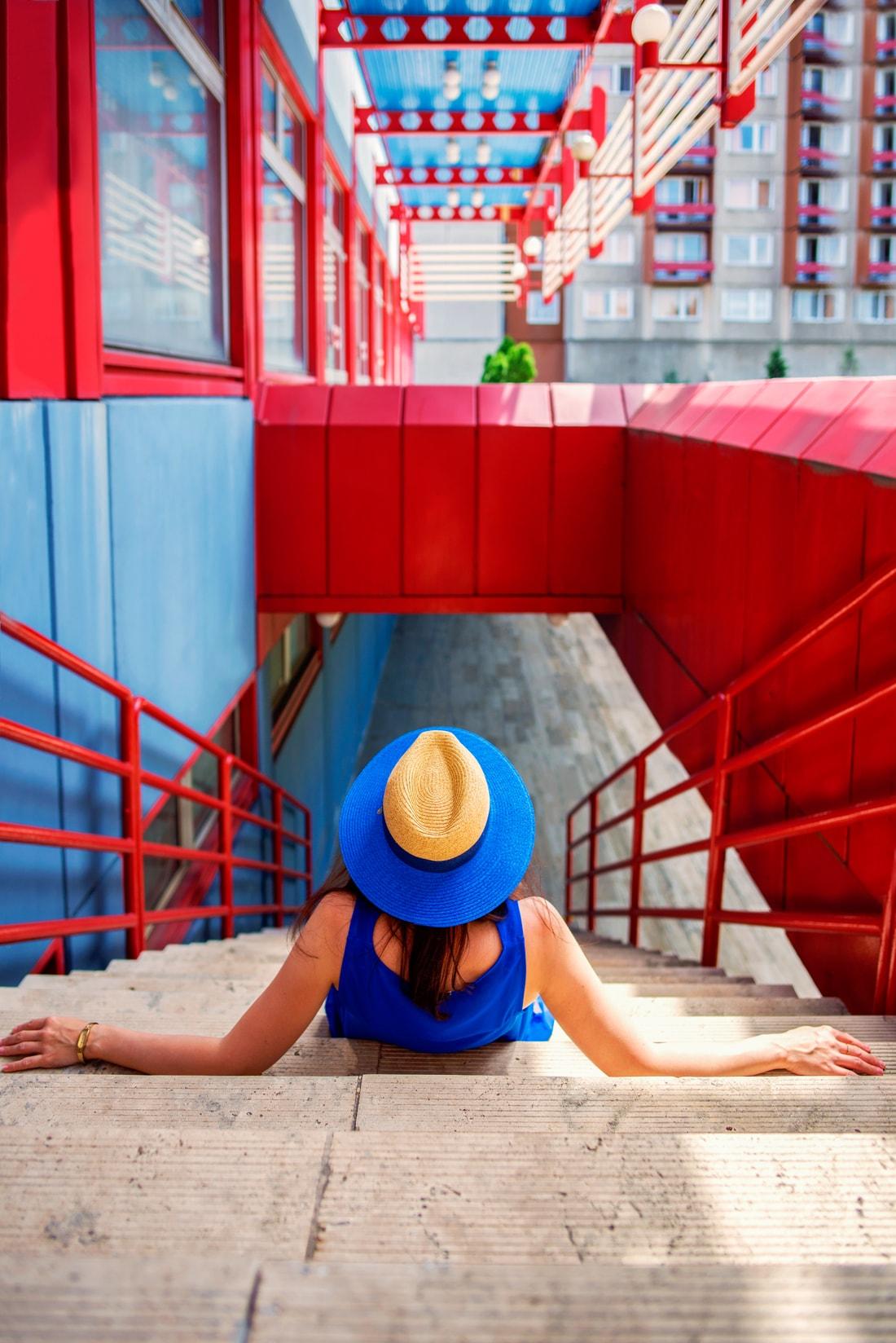 INŠPIRÁCIA NA JAR/LETO 2018 ALEBO AKO NOSIŤ KLOBÚK_Katharine-fashion is beautiful_Blog 14_Slamený klobúk Parfois_Slamená listová kabelka_OOTD_Katarína Jakubčová_Fashion blogger