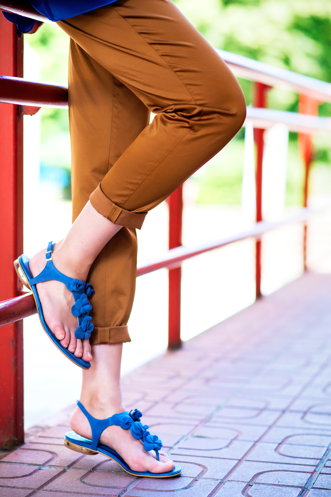 INŠPIRÁCIA NA JAR/LETO 2018 ALEBO AKO NOSIŤ KLOBÚK_Katharine-fashion is beautiful_Blog 4_Slamený klobúk Parfois_Slamená listová kabelka_OOTD_Katarína Jakubčová_Fashion blogger