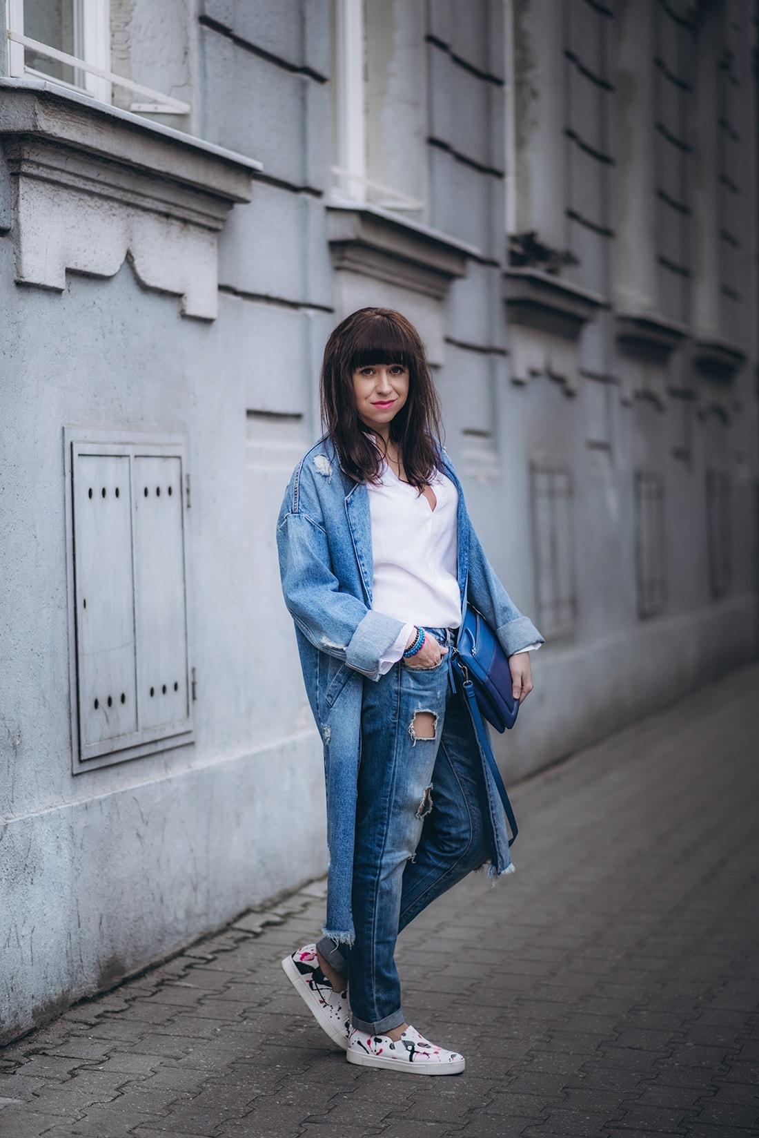 PREČO SI ZAMILOVAŤ DENIMOVÝ OVERSIZE KABÁT_Katharine-fashion is beautiful_blog 9_Kabát a džínsy Zara_Kabelka Parfois_Katarína Jakubčová_Fashion blogerka