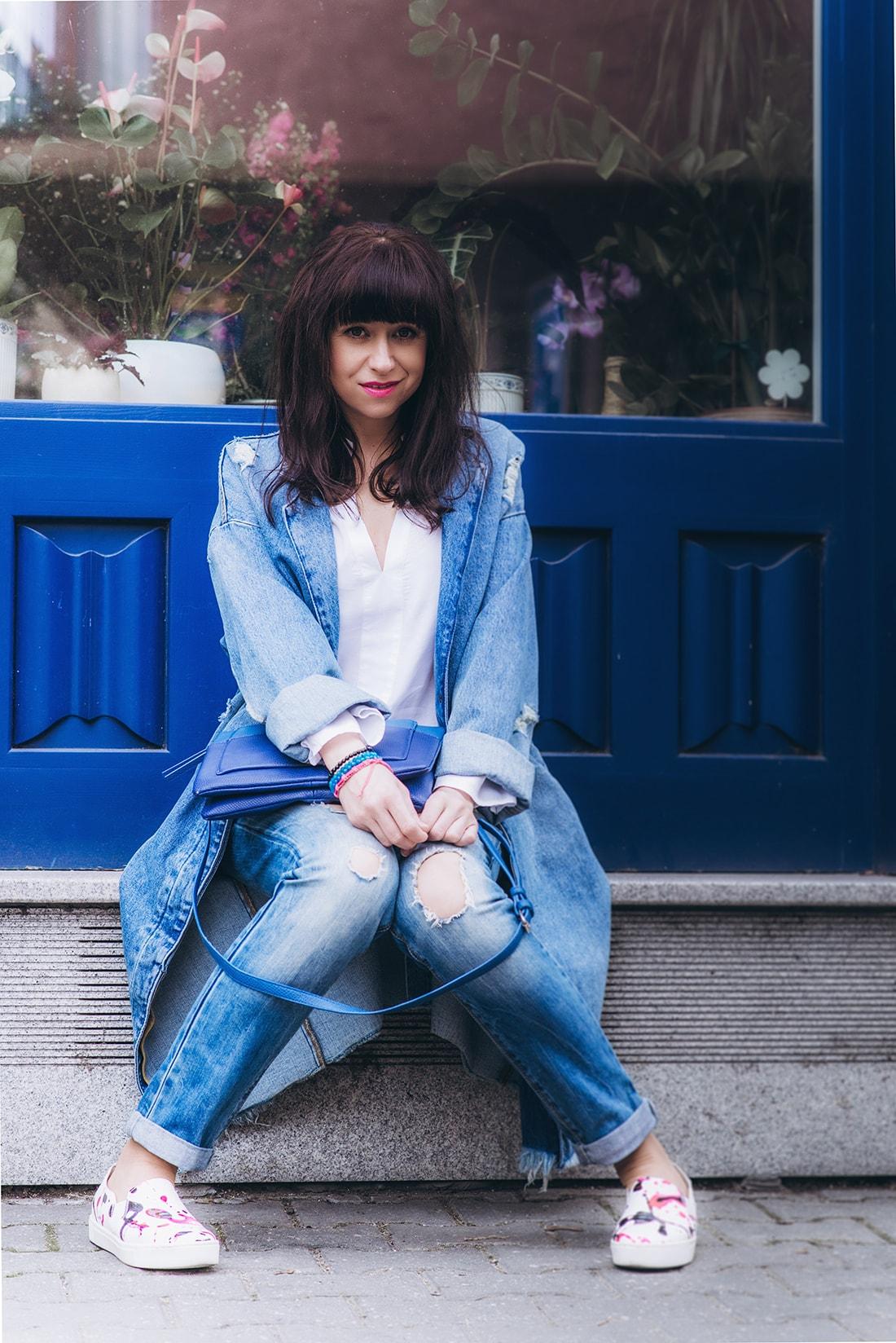 PREČO SI ZAMILOVAŤ DENIMOVÝ OVERSIZE KABÁT_Katharine-fashion is beautiful_blog 10_Kabát a džínsy Zara_Kabelka Parfois_Katarína Jakubčová_Fashion blogerka
