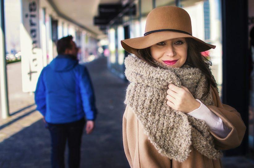 NADKOLENNÉ ČIŽMY. POTREBUJEŠ POČUŤ EŠTE VIAC?_Katharine-fashion is beautiful_blog 2_Béžový kabát Mango_Béžový klobúk_Béžové čižmy_Katarína Jakubčová_Fashion blogerka