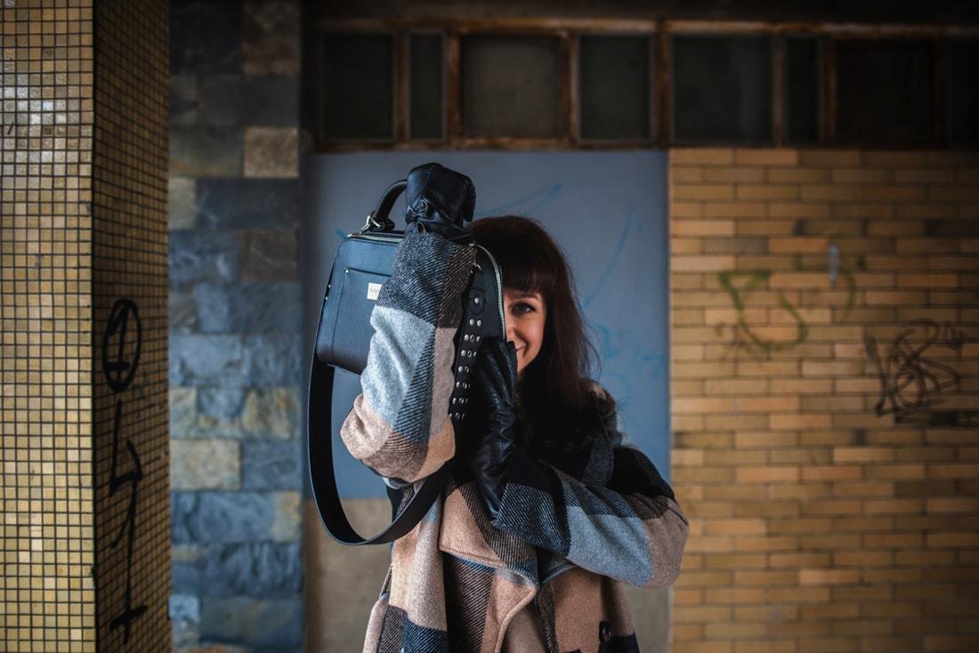 BIZNIS LOOK ALEBO NIKDY NEČAKAJTE VIAC_Katharine-fashion is beautiful_blog 11_Károvaný kabát Bonprix_Béžová sukňa Mango_Katarína Jakubčová_Fashion blogerka