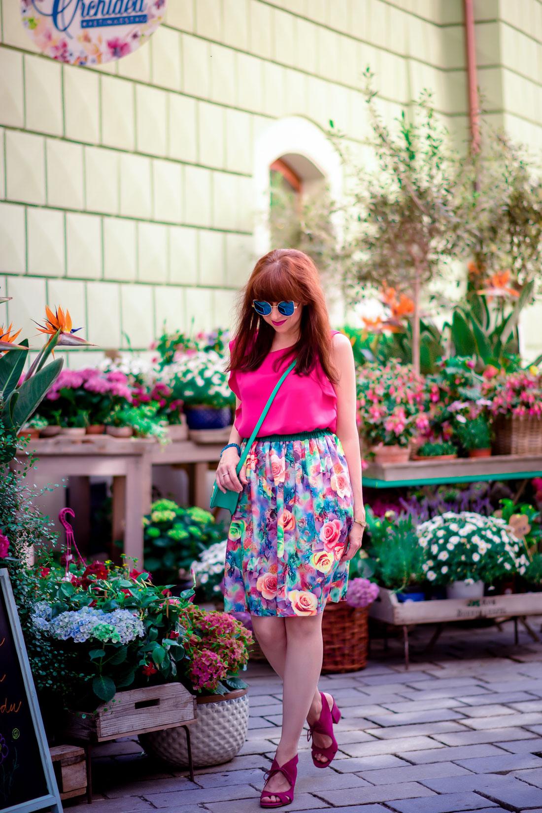 MAMA JE MAMA & KVETINOVÁ SUKŇA_Katharine-fashion is beautiful_blog 17_Kvetinová sukňa_Zelená kabelka Answear_Katarína Jakubčová_Fashion blogerka