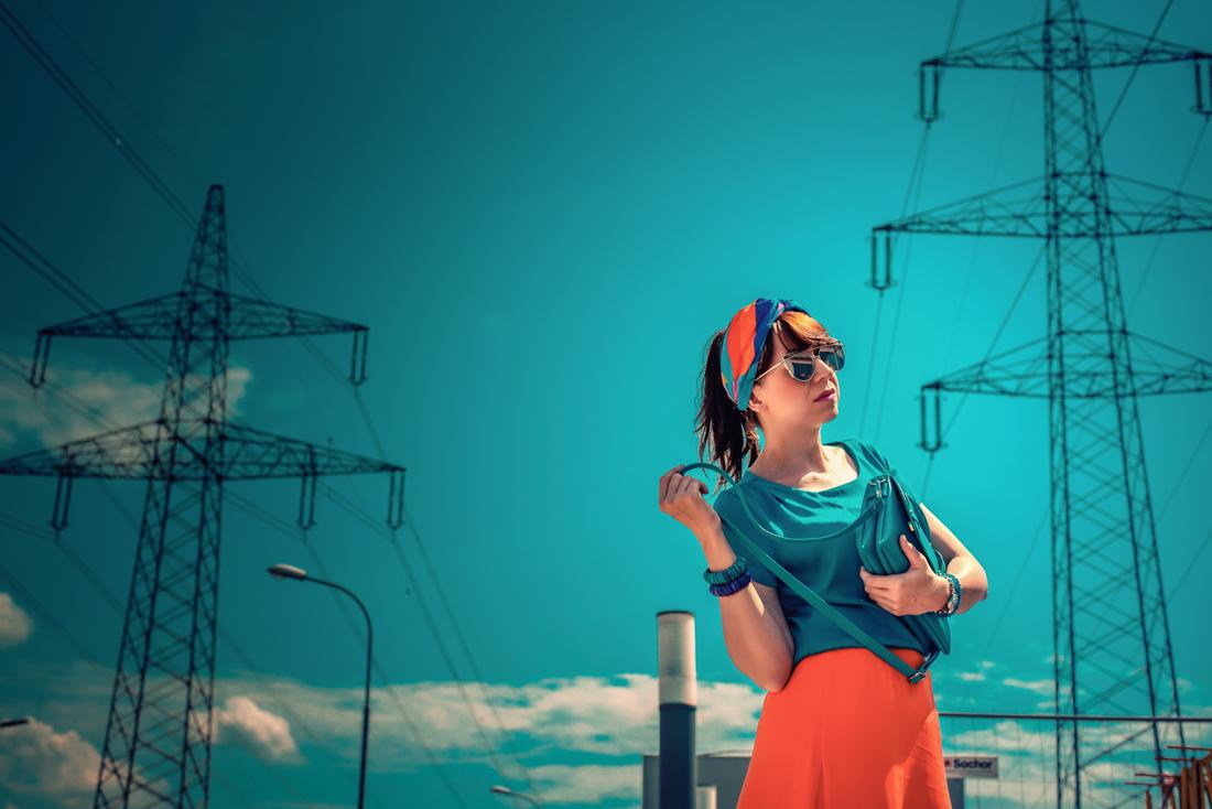 1 TOP DOPLNOK, KTORÝ VÁS DOSTANE_Katharine-fashion is beautiful_blog 1_Látková čelenka_Oranžová sukňa_Katarína Jakubčová_Fashion blogerka