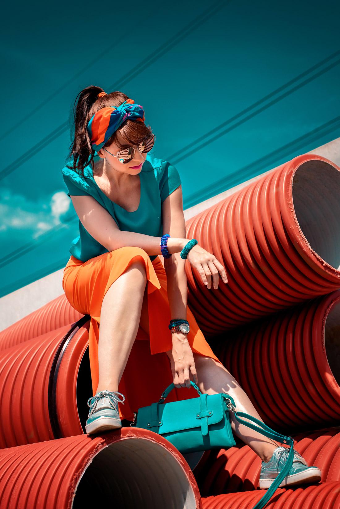 1 TOP DOPLNOK, KTORÝ VÁS DOSTANE_Katharine-fashion is beautiful_blog 2_Látková čelenka_Oranžová sukňa_Katarína Jakubčová_Fashion blogerka