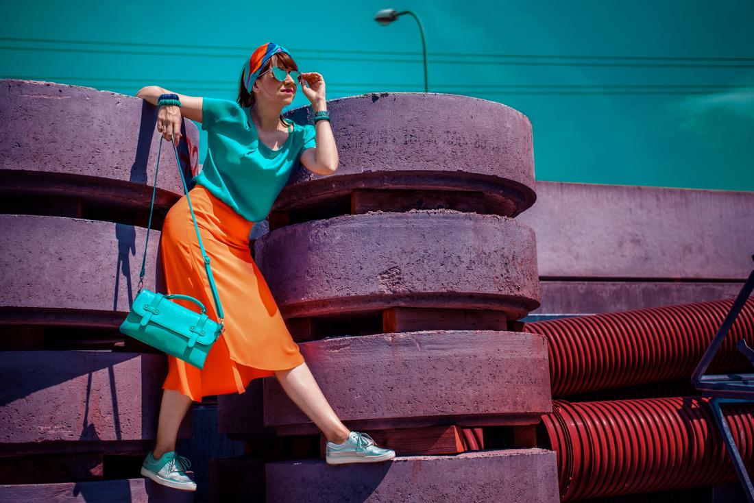 1 TOP DOPLNOK, KTORÝ VÁS DOSTANE_Katharine-fashion is beautiful_blog 7_Látková čelenka_Oranžová sukňa_Katarína Jakubčová_Fashion blogerka