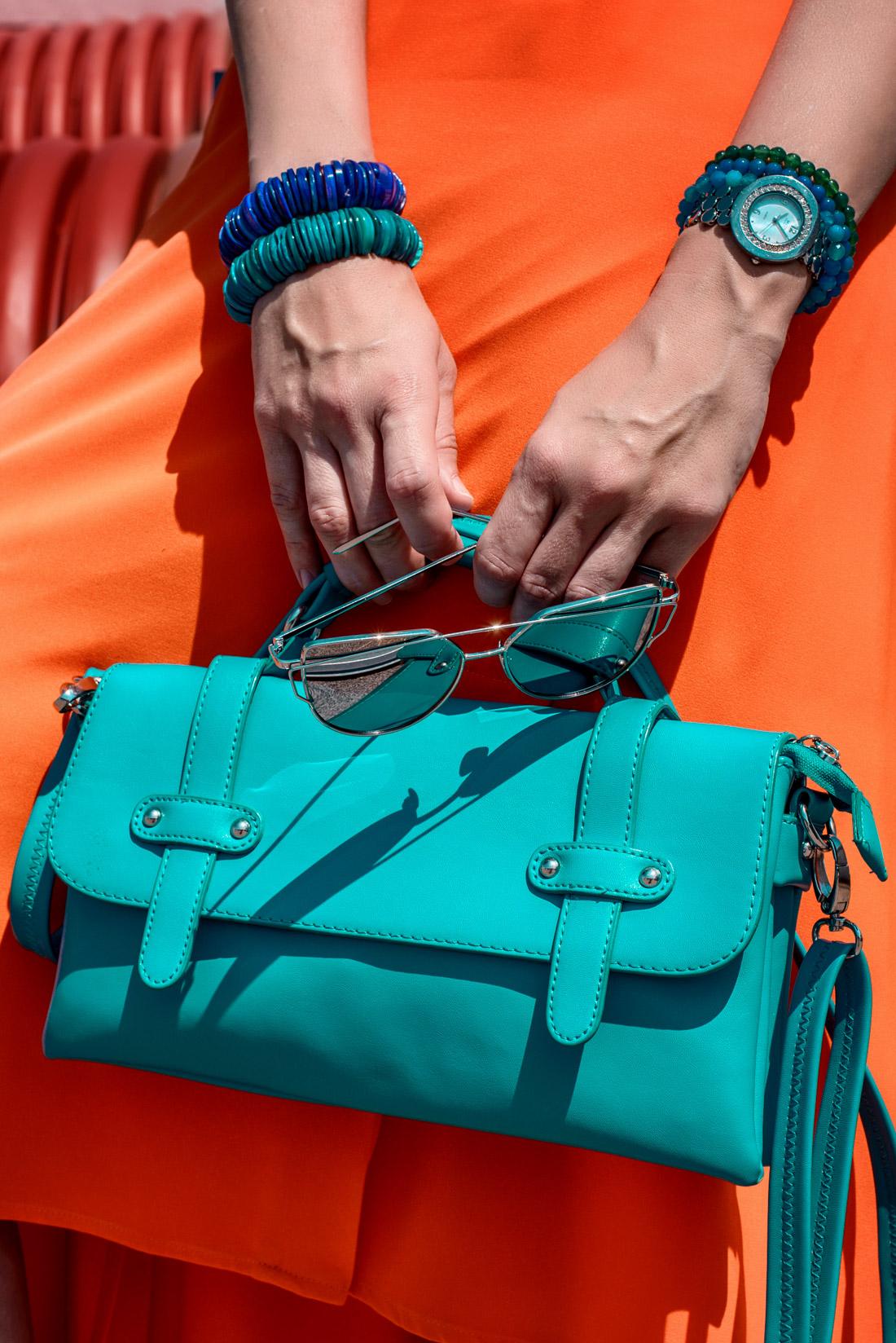 1 TOP DOPLNOK, KTORÝ VÁS DOSTANE_Katharine-fashion is beautiful_blog 8_Látková čelenka_Oranžová sukňa_Katarína Jakubčová_Fashion blogerka