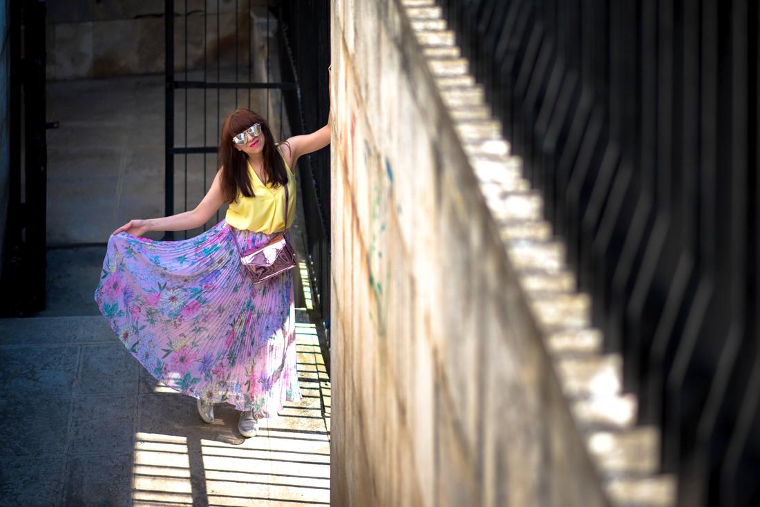 SUKŇA, KTORÁ VÁM VYRAZÍ DYCH_Katharine-fashion is beautiful_blog 12_Kvetinová plisovaná sukňa_Pastelové farby_Kabelka od Answear_Katarína Jakubčová_Fashion blogerka