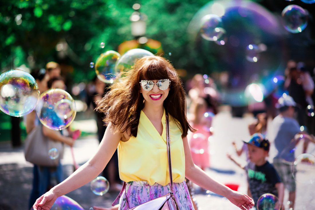 SUKŇA, KTORÁ VÁM VYRAZÍ DYCH_Katharine-fashion is beautiful_blog 18_Kvetinová plisovaná sukňa_Pastelové farby_Kabelka od Answear_Katarína Jakubčová_Fashion blogerka